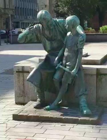 Düsseldorf, Du Schöne!