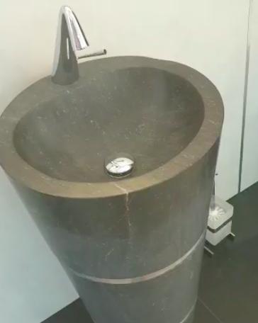 Zwischen Fliesen und Sanitär